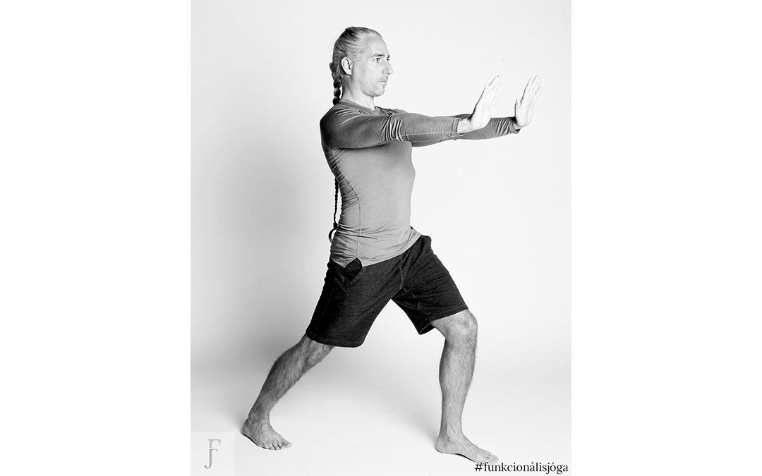 Egyperces nyújtó gyakorlat a hajlékony csípőhorpasz- és lábszárizomért