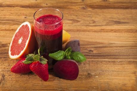 Méregtelenítő kúra minőségi, főleg helyi termelőktől származó frissen facsart gyümölcs- és zöldséglevekkel